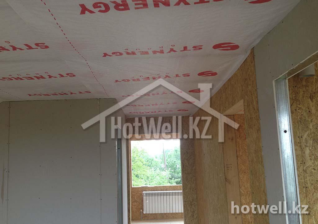 потолок из паропленки в сип доме